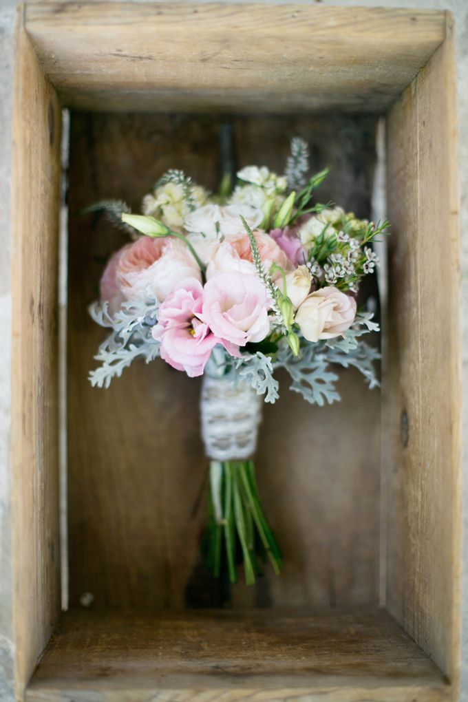 bouquet for late september wedding (pink and gray vintage wedding | Troy Grover Photographers)