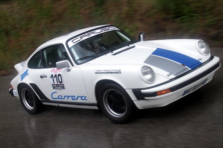 Porsche race in action...