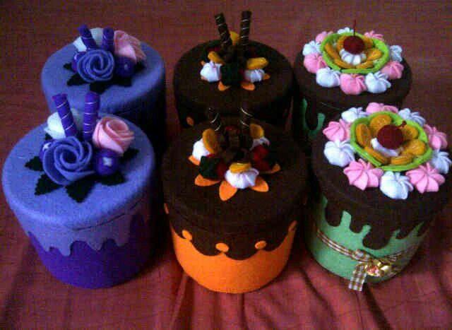 Sweet felt cakes