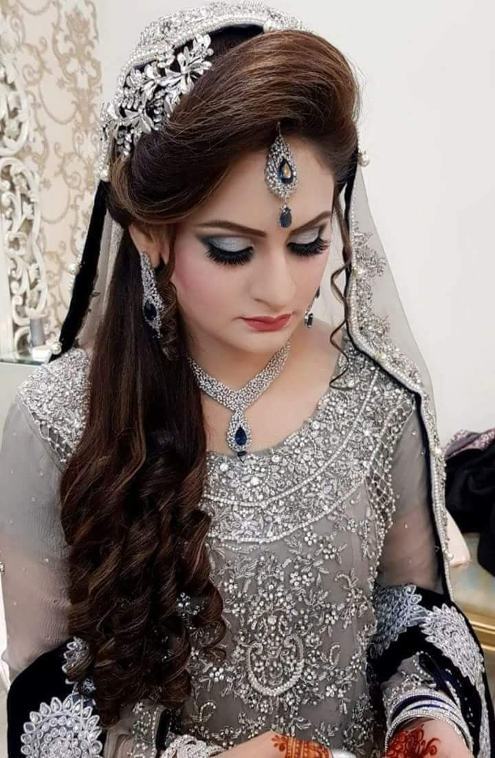 Pin By R E Creation On Gallery Pakistani Bridal Hairstyles Pakistani Bridal Makeup Bridal Hairstyle Indian Wedding