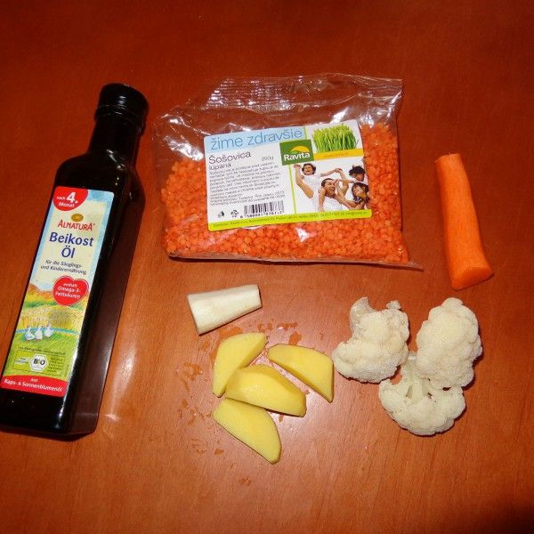 Červená šošovica, mrkva, zemiak, karfiol, petržlen