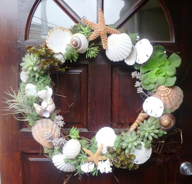 129 best shell wreaths images on pinterest for Seashell wreath craft ideas