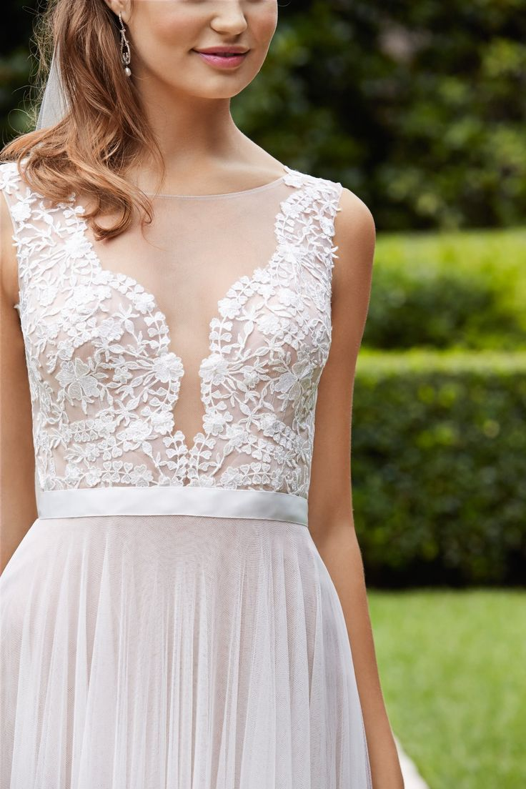 **Wtoo by Watters Marnie 14715 illusion back $1100