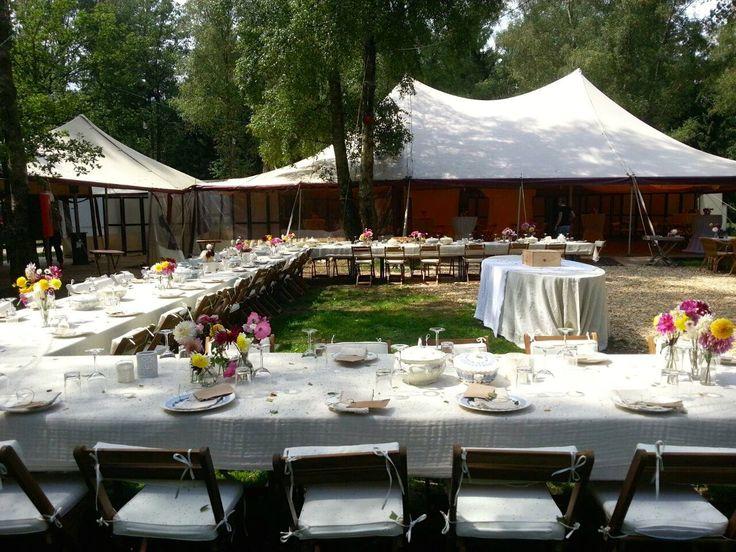 Feel Good TentEvent Sharing Outdoor Diner Trouwen in het bos Wedding in the Woods www.feelgoodtentevent.nl