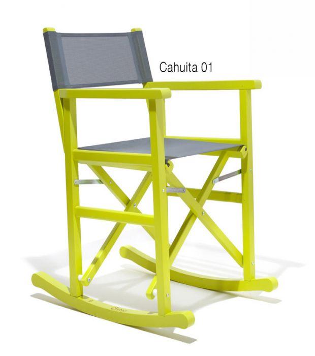 La sedia a dondolo da regista di Swingdesign.eu è richiudibile e disponibile in 4 colori a scelta. Prodotta artigianalmente in Italia da Giovanni D'Oria. La struttura della sedia è in legno di faggio verniciato mentre la seduta è in cotone con tessuto portante.
