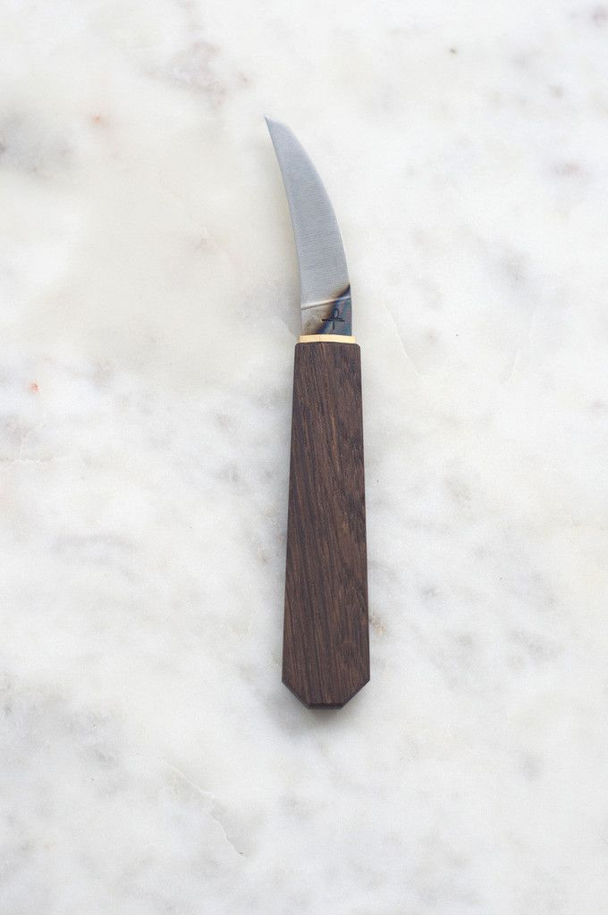 Hohenmoorer YT Monostahl Bird's Beak is a small, modern paring knife with a bird's beak-shaped blade.