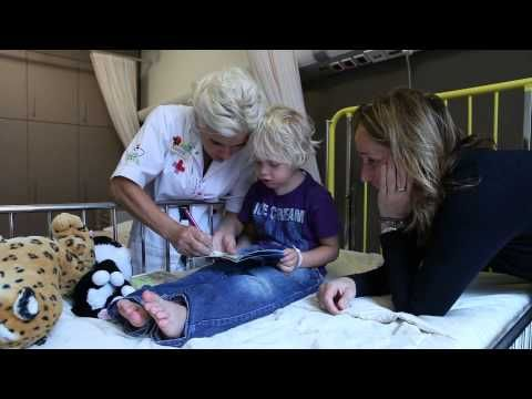 Dit is een filmpje voor kinderen van 0 tot 6 jaar. Zie wat Sam mee maakt als hij in het Ziekenhuis komt voor een dagopname.