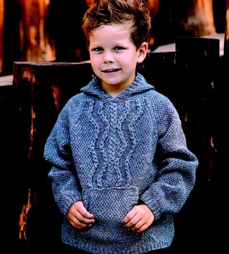 Grå sweater med hætte http://www.hendesverden.dk/handarbejde/strik/Strik-til-drengen-i-familien/