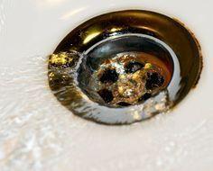 Un práctico truco de fontanería para desatascar tuberías