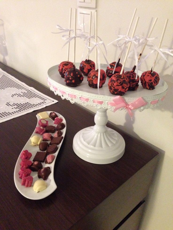 Cake pops and little chocolates!!!