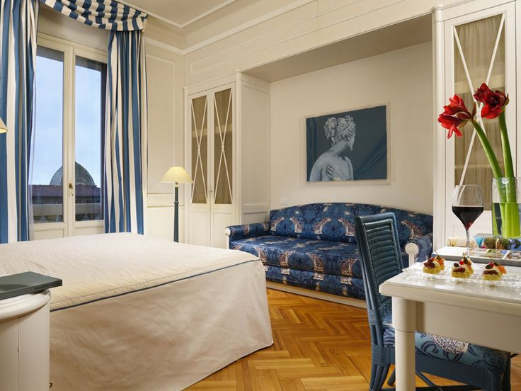 Deluxe Room with Lateral Sea View