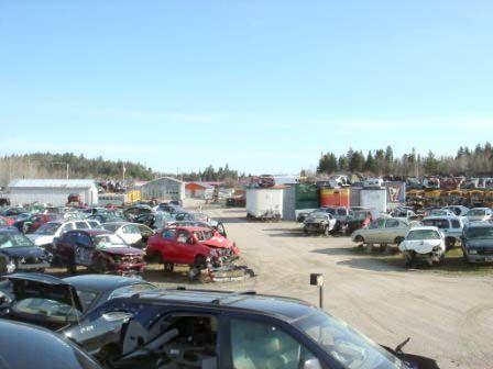 Scrap Yard / Cours à scrap pièce d'auto usagée  / Car parts