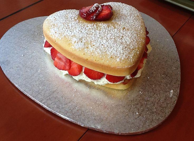 Heart-shaped Sponge Sandwich Cake