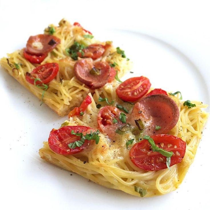 「スパゲティピザ」とは ピザとスパゲティのいいとこどり。ハイブリッドイタリアンな料理がアメリカやドイツで流行してるんです。皆さんどのように楽しんでいるかお話しします。あなたの好きなパスタをピザに変身させてみては?