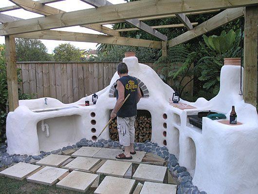 Mediterranean style white-washed outdoor kitchen in  Mission Bay, Auckland, NEW ZEALAND