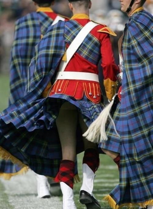 the gallery for gt under mens kilts