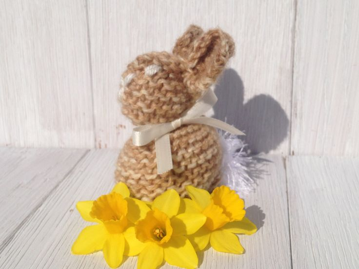 Knitted Easter bunny creme egg cover