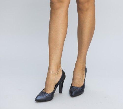 Pe Bazar-net.ro un magazin online de reduceri si oferte gasesti: Pantofi Rego Bleumarin un produs la reducere vandut de dEpurtat.ro la pretul de 69.0 de lei. Daca vrei sa comanzi acest produs da CL…