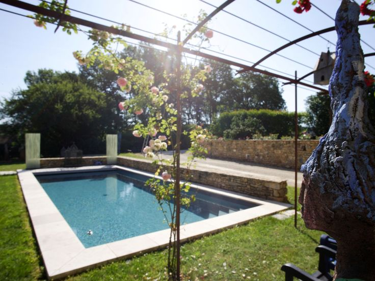 Les 85 meilleures images propos de piscines familiales for Piscine 85