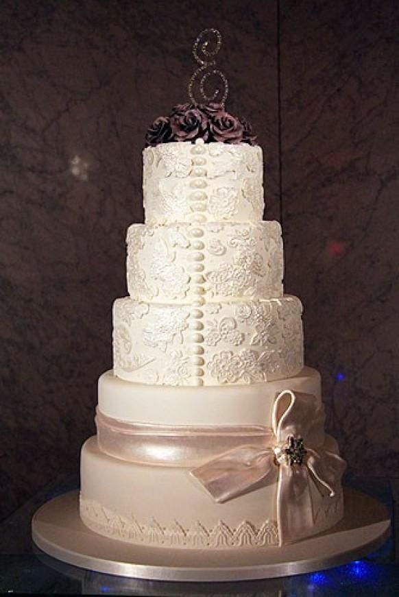 Beautiful Cake Images For Boyfriend : 62 best images about Wedding Cakes---Ivory and White ...