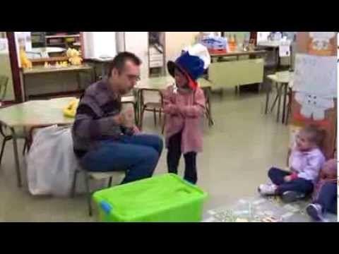 Inglés en infantil de 3 años (Rutina para comenzar la clase) - YouTube