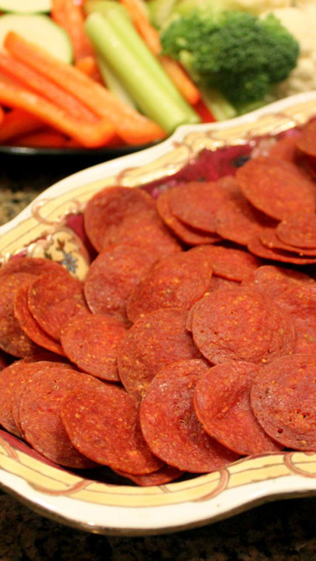 Baked Pepperoni Chips via @AOL_Lifestyle Read more: http://www.healingandeating.com/2014/12/baked-pepperoni-chips.html