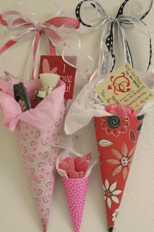 DIY Valentine Tussie Mussies  ~ These easy gift pockets are made of 12 x 12 scrapbook paper. Comes with step-by-step instructions, This is a paper craft your older kids and grands can easily participate in ~ so clever and inexpensive to make