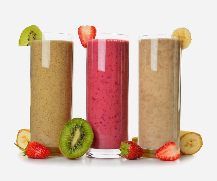 3 Smoothies per perdere peso 1:kiwi banane spinaci datteri, acqua di cocco 2:fragole, banane, spinaci, datteri, acqua di cocco 3:banane, datteri, fichi secchi, acqua di cocco, vaniglia in polvere