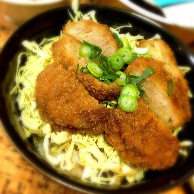 ソースカツ丼、タレは麺つゆ(つけ麺用に希釈)とトンカツソース、1:1で。 - 23件のもぐもぐ - ソースカツ丼 by mtyamu