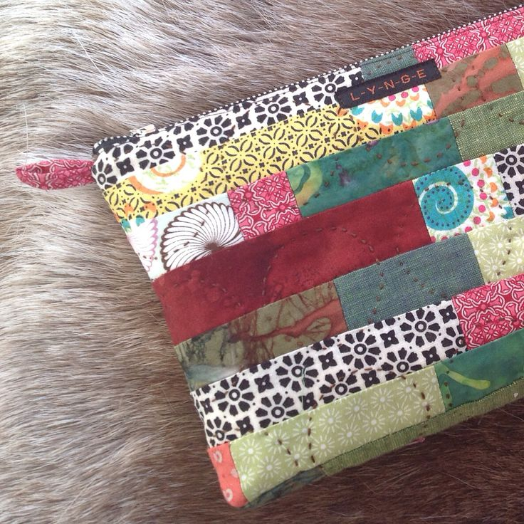 Quiltet pouch - sewn by hand - on a holliday in Finland