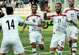 7-Sep-2015 11:46 - IRAN WIL DEJAGAH SCHORSEN OM TATOEAGES. Ashkan Dejagah valt met zijn volgetatoeëerde armen in het huidige topvoetbal nauwelijks op, maar wanneer hij bij de nationale voetbalploeg van…...