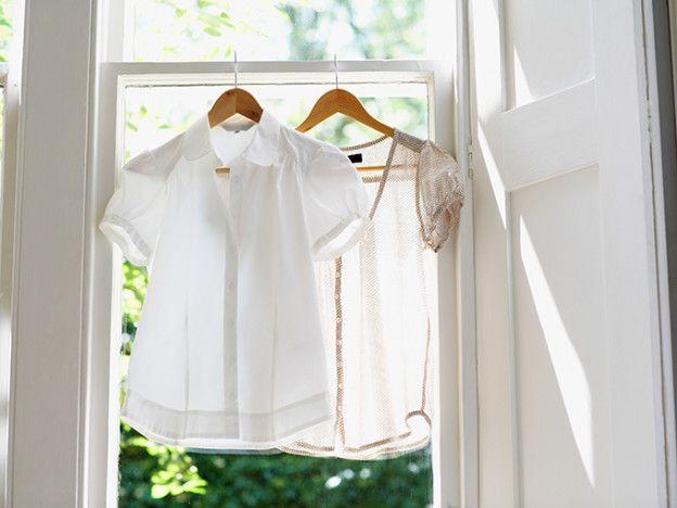 La solución: Cómo quitar las manchas de sudor De Camisas blancas | Levo League | camisas blancas, lavandería, estilo de vida 2, eliminación de manchas, manchas