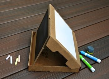 21 Gifts Parents Can Make for Kids: Ideas, Box Easel, Chalk Board, Pizza Boxes, White Board, Kid, Box Chalkboard