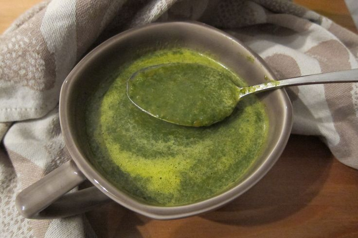 Deze spinazie wortel gember soep is kruidig en vol van smaak. De gember geeft een aparte twist. Niet moeilijk te maken. Bekijk het recept hier!