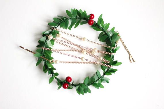 Pearl hair chain and a wreath, lovely holiday gift for your loved ones or a special treat for you. This headpiece features rose gold chain and Swarovski 6mm pearls. It is hand thread for a delicate look. Beautiful, eye-catching headpiece for not only a bride.  Your headpiece will be made