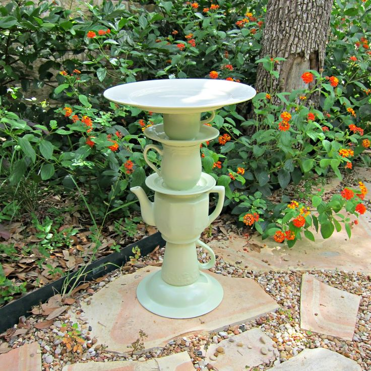 diy birdbaths | Thanks to Goodwill San Antonio for sponsoring this post. I love being ...