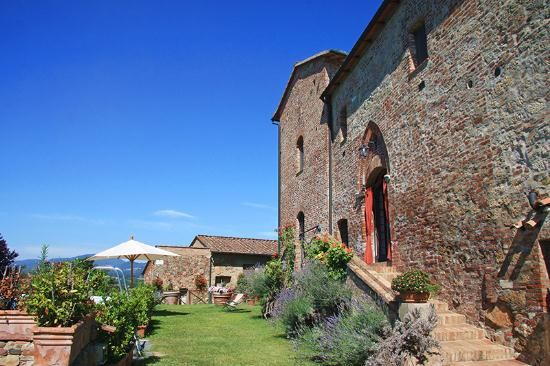 Prestigious farmhouse restored for sale in Tuscany #dreamhome #properties #realestate #luxury #tuscany #forsale #tuscanproperty #tuscanproperties