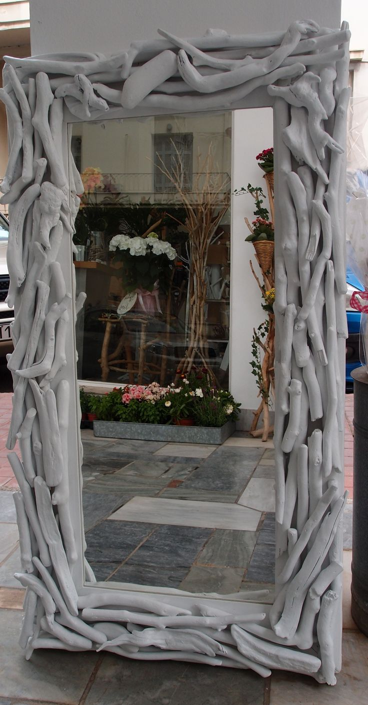 Driftwood Mirror..καθρέπτης από θαλασσοξυλα σε λευκό χρώμα.. ..διαστάσεις 110χ60m..για παραγγελίες και σε όποια διάσταση θέλετε. τηλ.6976773699 ...