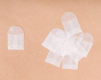 100 enveloppes papier cristal mini par FancyThatDelightful sur Etsy