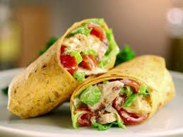 DELICIOUS WRAP: with Tomato, Avo and chicken.