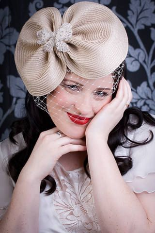 Cream hat, 1950s hat, veiled hat, wedding hat, cream hat, mother of the bride