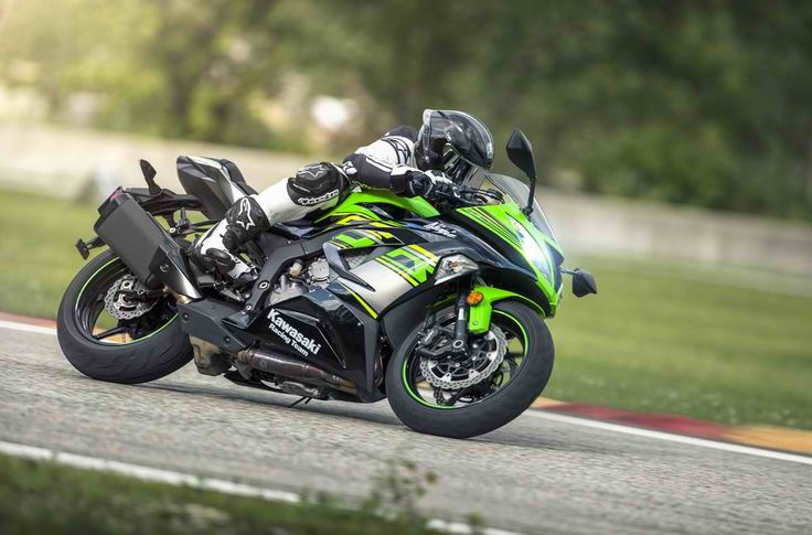 World Supersport Championship technology comes to the middleweight class with the Ninja® ZX-6R. #Kawasaki #Ninja #ZX6R #KRTEdition #StreetBikes #SuperSport