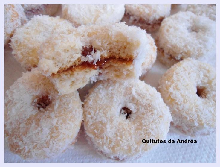 BISCOITINHOS DE COCO
