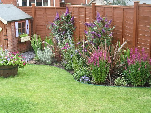 192 best garden design circles curves images on Low maintenance garden border ideas