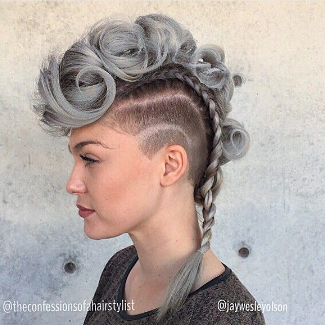 Incredible work done by the awesome duo,  @theconfessionsofahairstylist and @jaywesleyolson. OBSESSED #samvilla #samvillahair #hairstyles #stylist #hair #beauty #silver #perfection #hairstylist #hairinspo