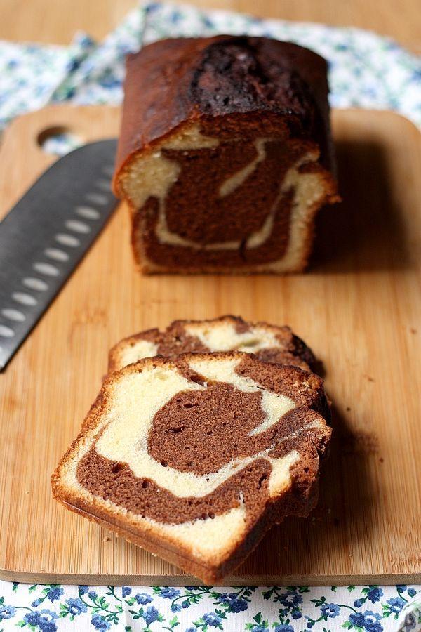 Incontournable du goûter, voici la recette traditionnelle du marbré au chocolat !