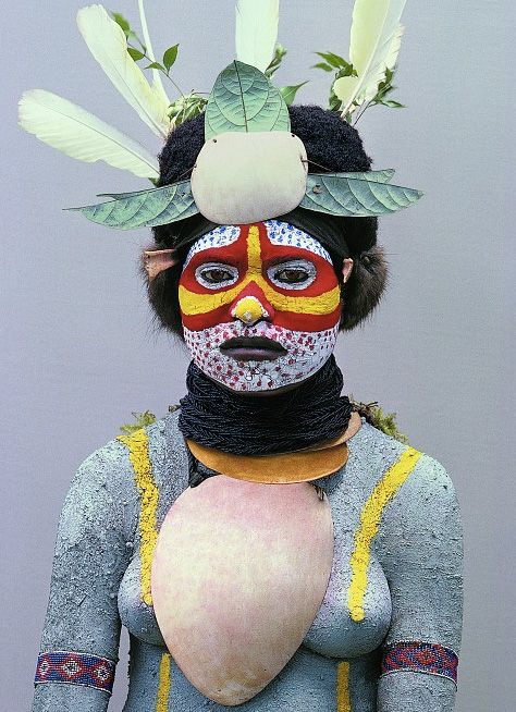 Mendi-girl--Papua-New-Guinea-Malcolm-Kirk