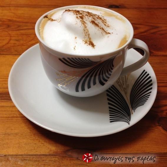 Ένας cappuccino για το πρωινό σας #sintagespareas