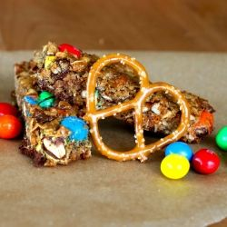 Chewy peanut butter pretzel granola bars with peanut m&ms. Super easy to throw together!