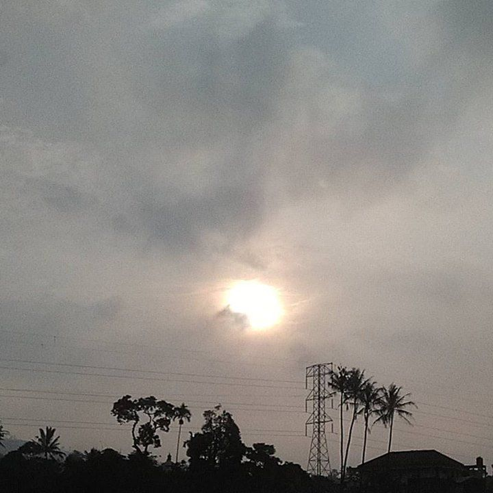 Matahari pagi 1 April 2017